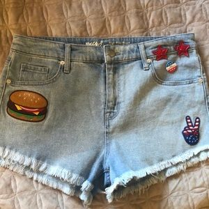 Denim  cut off raw edge vintage feel shorts